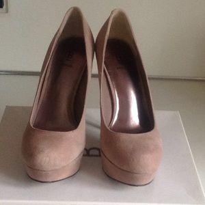 Taupe platform heels 6 1/2